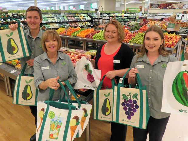 Noosa Woolies leads the way in removing lightweight plastic bags